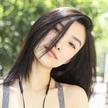 新面孔模特侯梦蝶拍摄优衣库广告