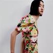 張麗娜拍攝Zara最新時裝大片