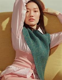 楊慧瑩拍攝多彩色搭配大片