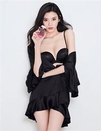 何穗/奚夢瑤拍攝維密七夕節廣告大片