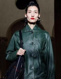 张丽娜回归国际秀场 受权威模特排行网站专题报道
