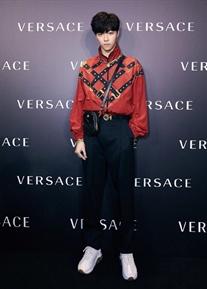 陈立农出席Versace北京新店开业活动