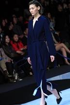 王飛時裝發布會亮相中國時裝周