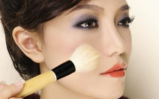 追逐时代的潮流 模特化妆技巧