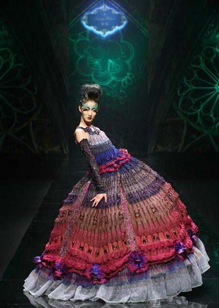 超模纪莉莉获2011年度中国十佳职业时装模特图片