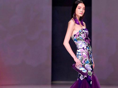 金顶 奖设计师 唐韵艺术设计展 -国际时装周 模特中国